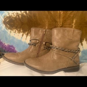 worn once SUGAR taupe ankle boots